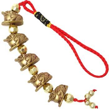 5 broscute feng shui norocoase, amuleta pentru proseritate si bun augur, rasina, auriu