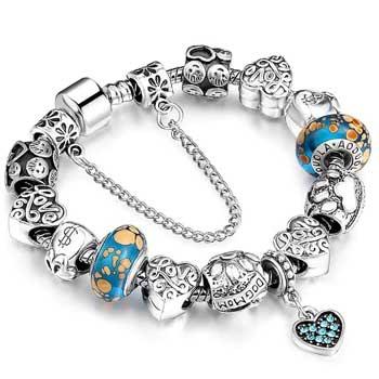 Bratara pentru iubire, tip Pandora, placata cu argint si sticla Murano cu charmuri inima dragostei si simboluri norocoase de bogatie