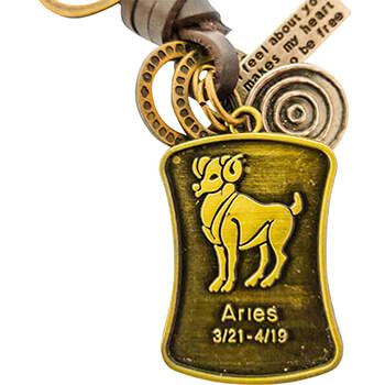 Berbec, breloc retro cu snur piele si 4 accesorii din cercuri metal, tablita cu mesaj si pandantiv cu zodiac