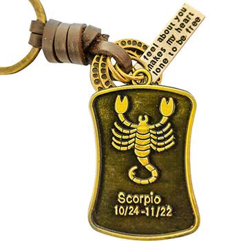Scorpion, breloc retro cu snur piele si 4 accesorii din cercuri metal, tablita cu mesaj