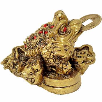 Broscuta feng shui cu Ru Yi, amuleta set broasca aducatoare de bani cu moneda, aurie, 5 cm