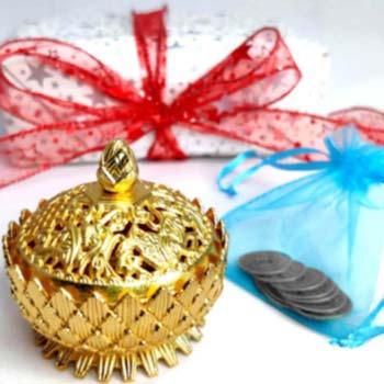 Vasul abundentei si saculet cu 24 monede chinezesti, simbol de bogatie si prosperitate, minifelicitare